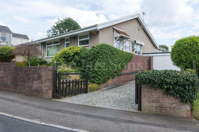 2 Bedrooms Semi Detached Bungalow for sale in Manor Road, Risca, Newport. NP11