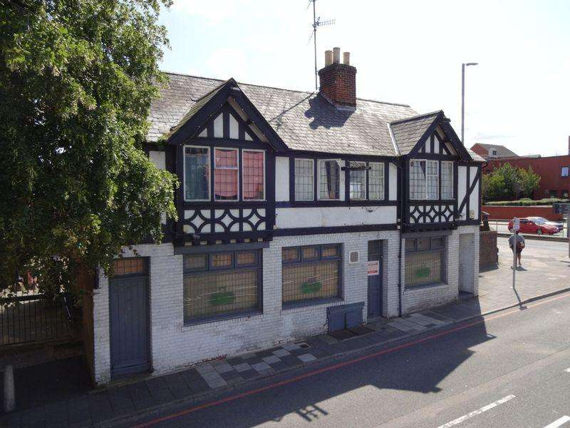 Land Commercial for sale in Dunstable Place