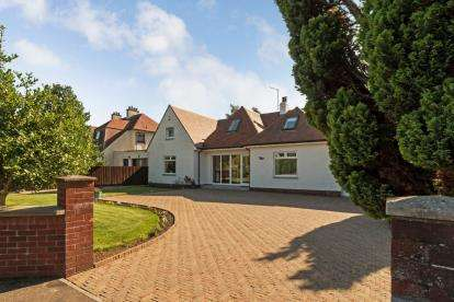 5 Bedrooms Detached House for sale in Ottoline Drive, Troon