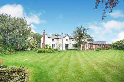 4 Bedrooms Detached House for sale in Withinlee Road, Mottram St Andrew, Cheshire, Uk