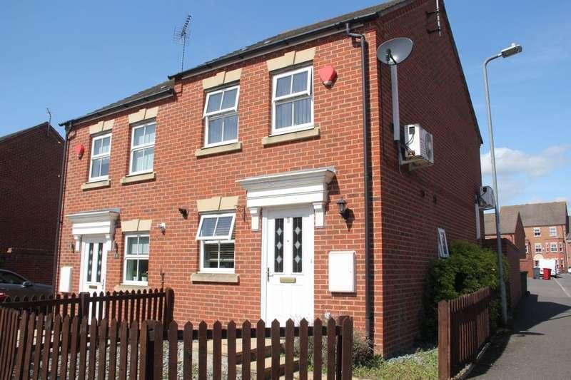 2 Bedrooms Semi Detached House for sale in Walker Crescent, Langley, SL3
