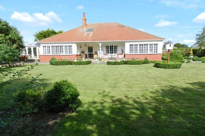 4 Bedrooms Detached Bungalow for sale in Grove Road, Sutton-On-Sea, Mablethorpe, LN12