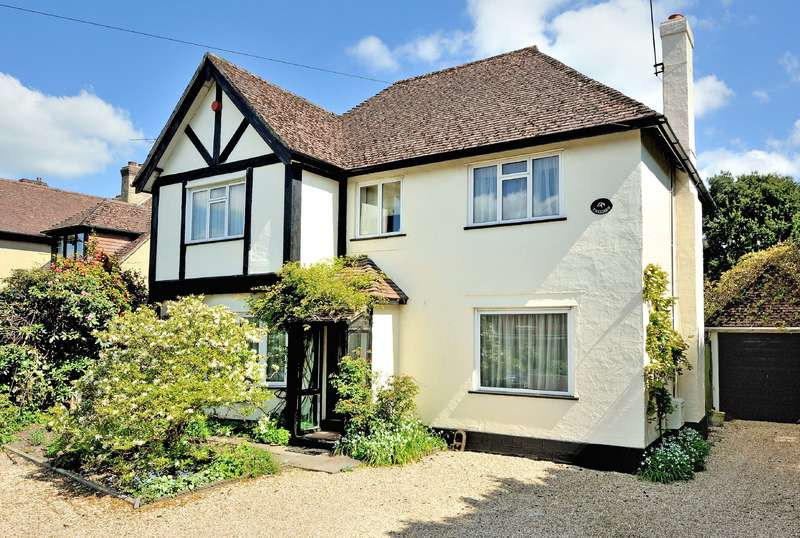 3 Bedrooms Detached House for sale in Trecarn, Christys Lane, Shaftesbury, Dorset, SP7 8NQ
