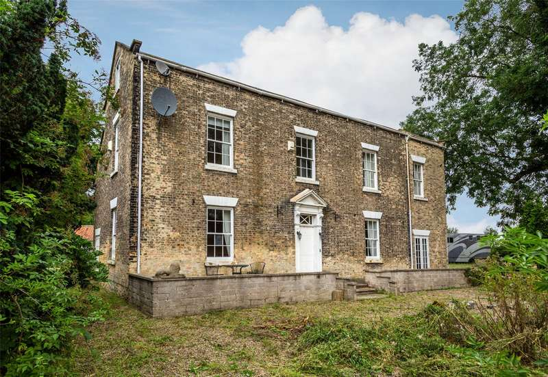 4 Bedrooms Detached House for sale in Thorpe Willoughby, Selby, North Yorkshire, YO8