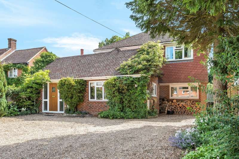 4 Bedrooms Detached House for sale in Alfold Bars, Loxwood, RH14