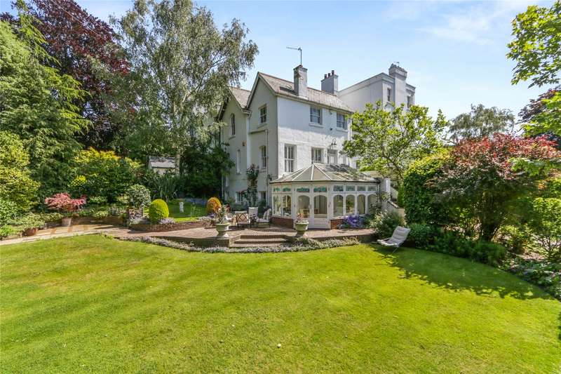 4 Bedrooms Semi Detached House for sale in West Acres, Esher, Surrey, KT10