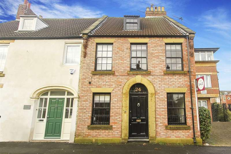 4 Bedrooms Terraced House for sale in Percy Street, Tynemouth