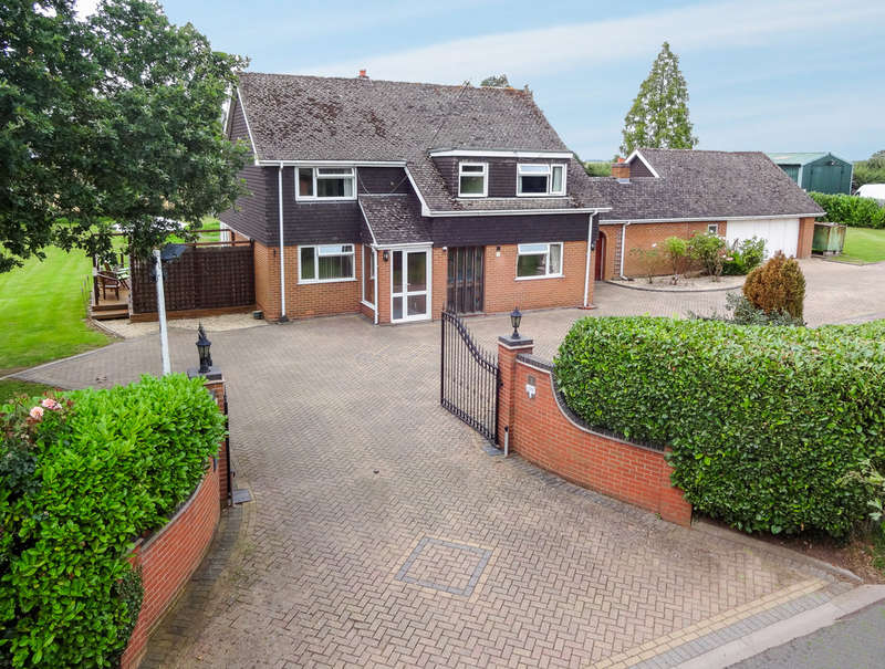 4 Bedrooms Detached House for sale in Rose Cottage, Clattercut Lane, Chaddesley Corbett, Kidderminster, DY10 4QT