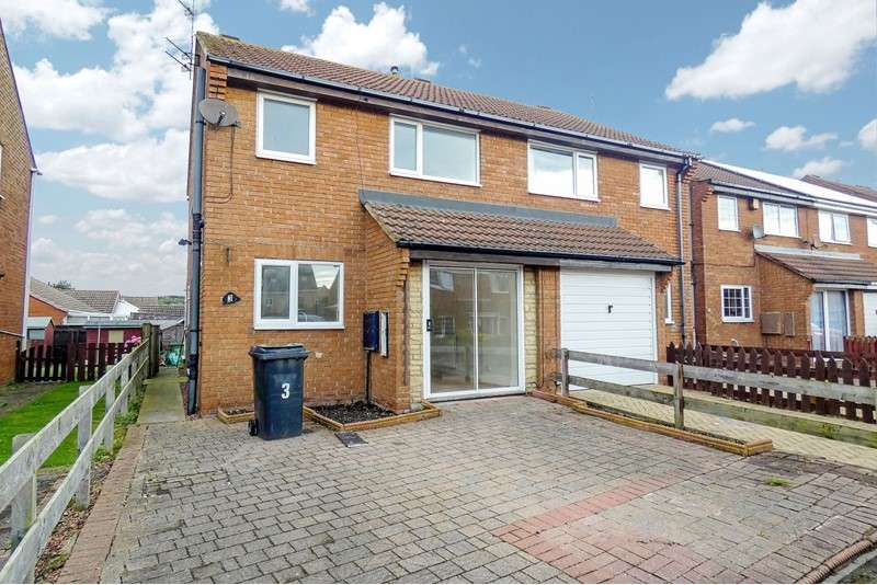 3 Bedrooms Property for sale in Manor View, Newbiggin-by-the-Sea, Northumberland, NE64 6HB