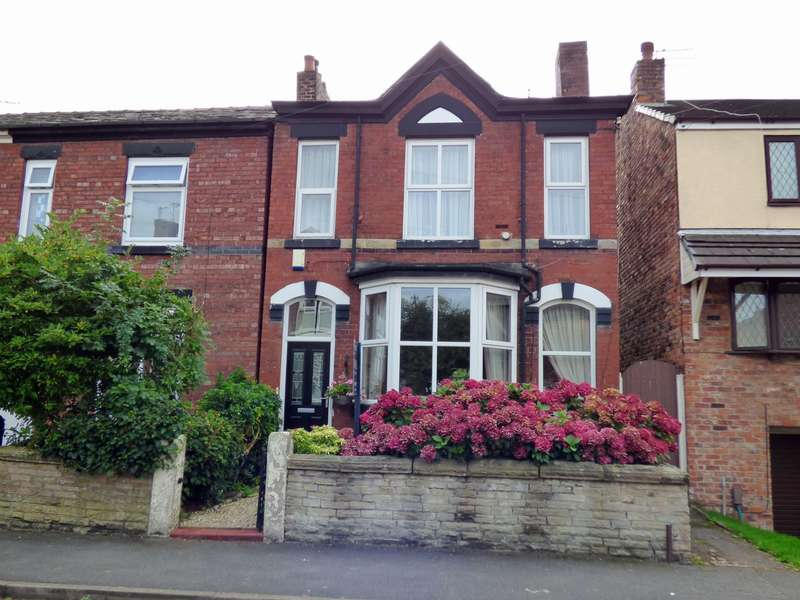 3 Bedrooms Detached House for sale in Davenport Road, Hazel Grove, Stockport, SK7
