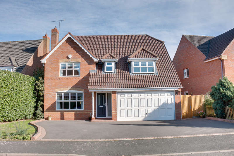 4 Bedrooms Detached House for sale in Defford Close, Webheath, Redditch, B97 5WR