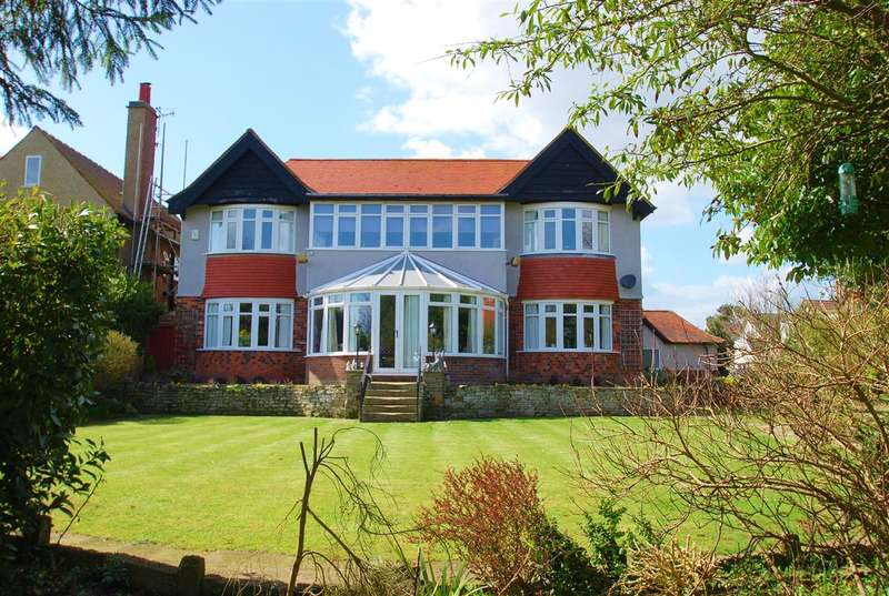 6 Bedrooms Detached House for sale in Lifeboat Avenue, Skegness, PE25