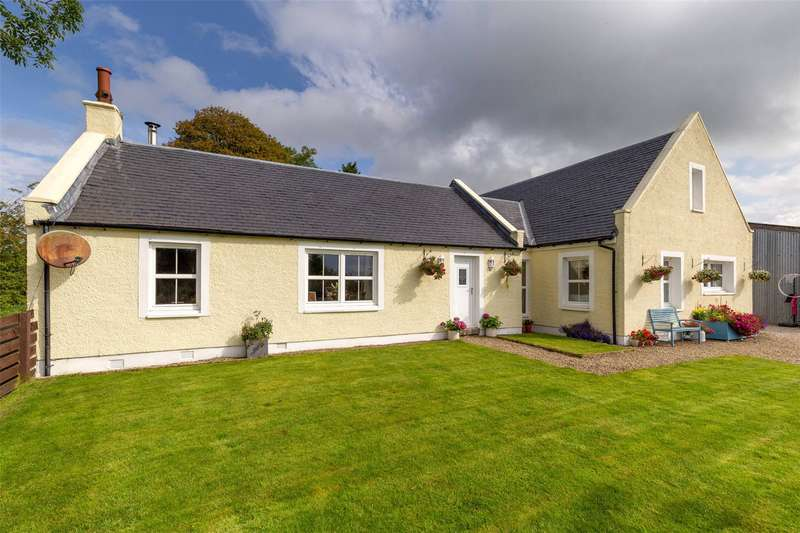 4 Bedrooms House for sale in Asseyfaulds Cottage, By Dalry, North Ayrshire, KA24