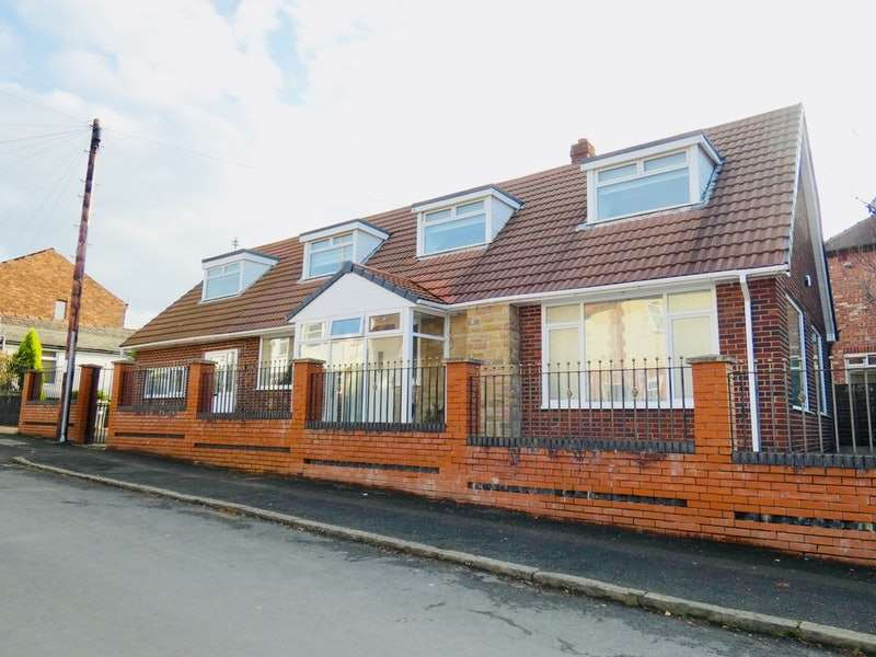 4 Bedrooms Detached House for sale in Russell Street, Manchester, Greater Manchester, M25