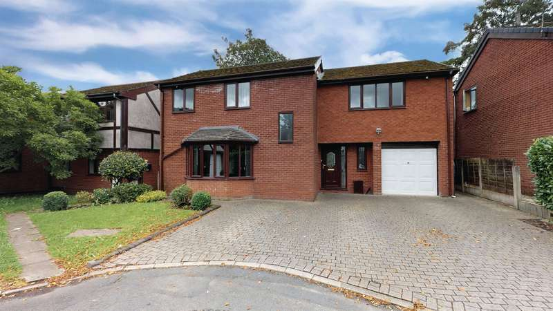 5 Bedrooms Detached House for sale in Lowick Avenue, Great Lever, Bolton, BL3 2DS
