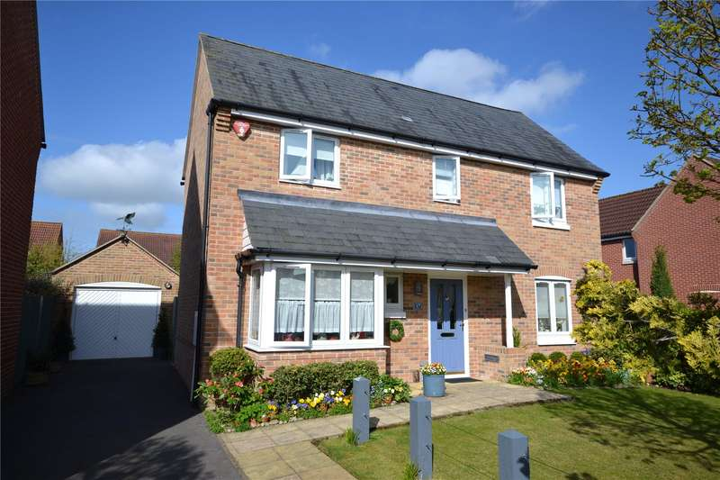 4 Bedrooms Detached House for sale in Princess Royal Close, Lymington, Hampshire, SO41
