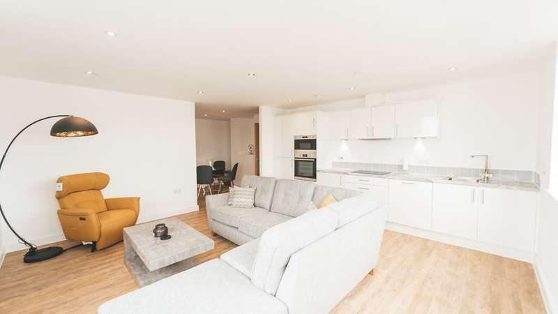 2 Bedrooms Flat for sale in Olympia House, Lower Dock Street, Newport, NP20