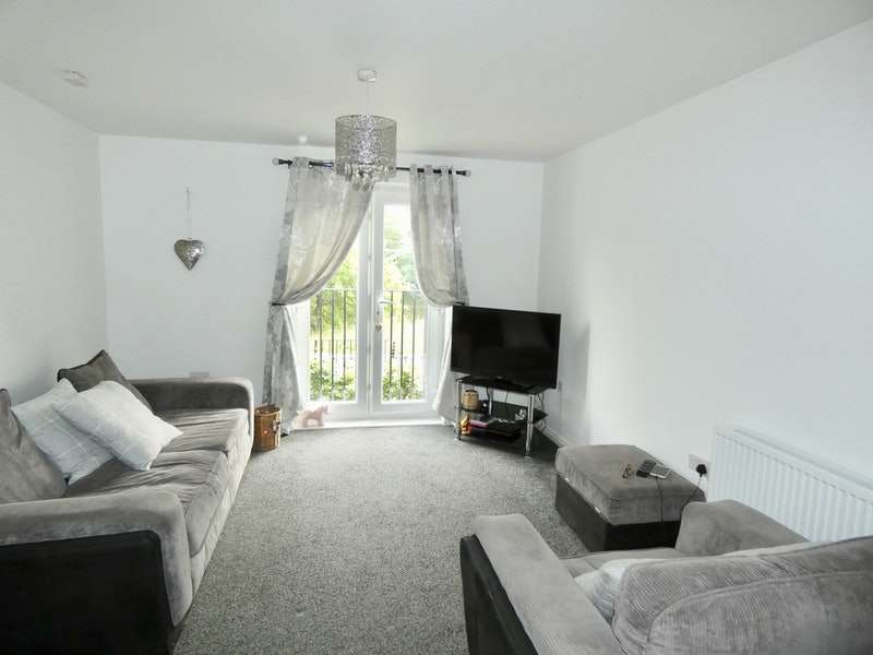 2 Bedrooms Maisonette Flat for sale in Kerridge Drive, Warrington, Cheshire, WA1