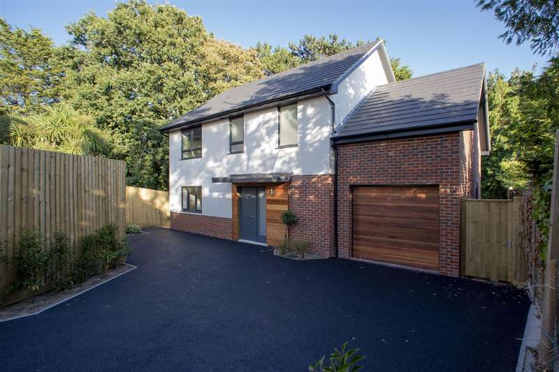4 Bedrooms Detached House for sale in Gorse Hill Road, Oakdale, Poole