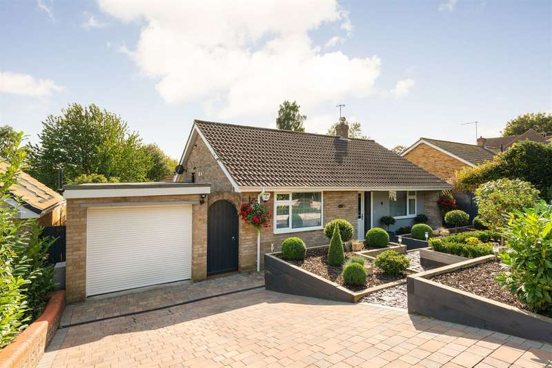 3 Bedrooms Detached Bungalow for sale in Walnut Tree Lane, Westbere, Canterbury