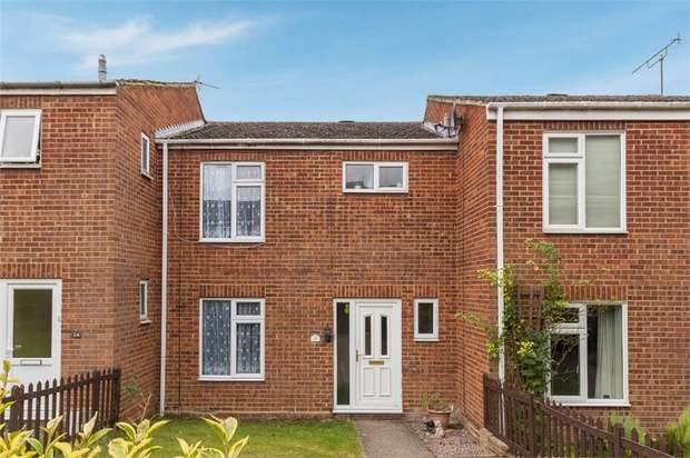 3 Bedrooms Terraced House for sale in Elizabeth Drive, Tring, Hertfordshire