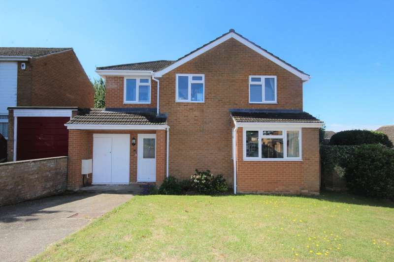 4 Bedrooms Detached House for sale in Wessex Gardens, Twyford, Reading, RG10