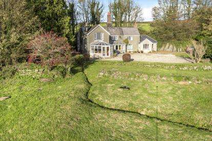 5 Bedrooms Detached House for sale in Milton Abbot, Tavistock