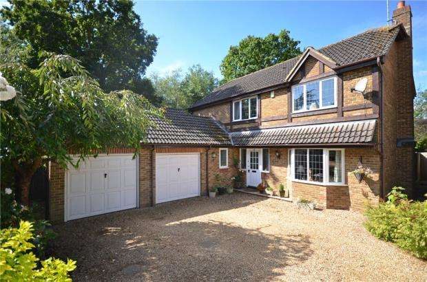 4 Bedrooms Detached House for sale in Anthony Wall, Warfield, Berkshire