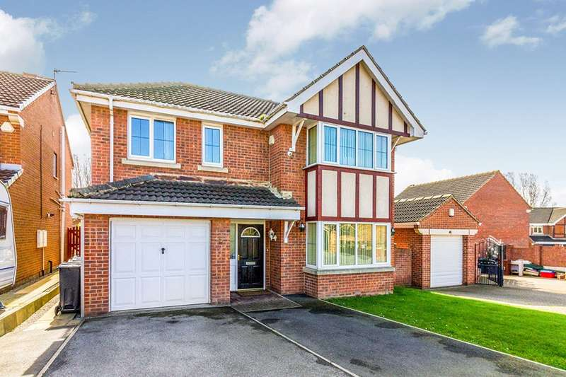 4 Bedrooms Detached House for sale in Long Cliffe Close, Shafton, Barnsley, South Yorkshire, S72