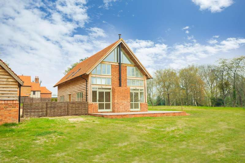 3 Bedrooms Detached House for sale in Mopes Farmhouse, Denham Lane, Chalfont St. Peter, SL9