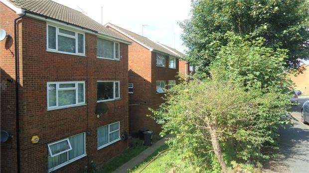 2 Bedrooms Duplex Flat for sale in Brendon Avenue, Luton
