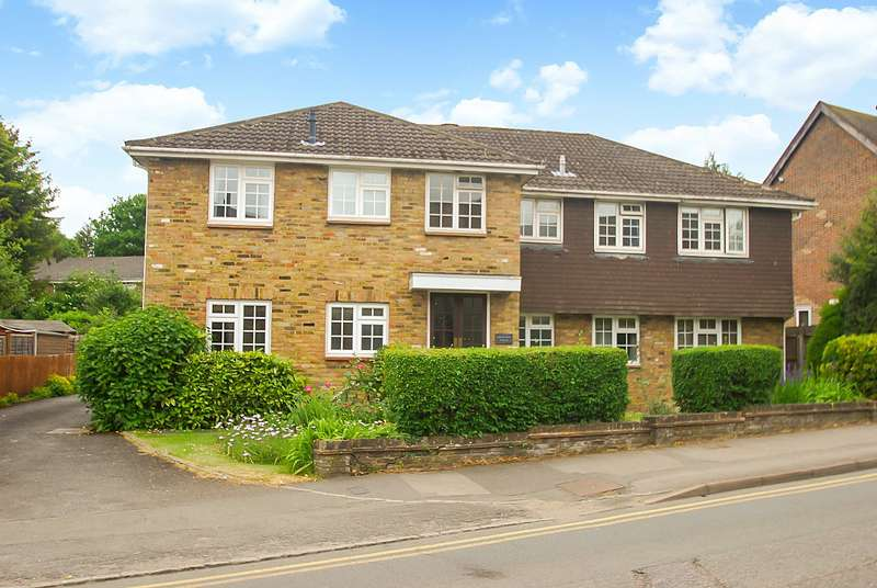 2 Bedrooms Flat for sale in Ridgeway House, Rickmansworth Road, Amersham, HP6