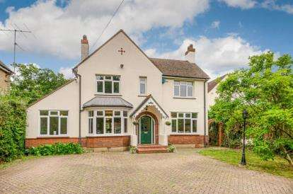 4 Bedrooms Detached House for sale in Kimbolton Road, Bedford, Bedfordshire