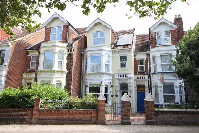 6 Bedrooms Terraced House for sale in Waverley Road, Southsea
