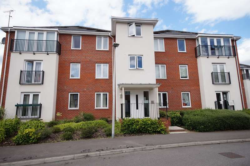 2 Bedrooms Flat for sale in Kennet House, Regis Park Road, READING, RG6