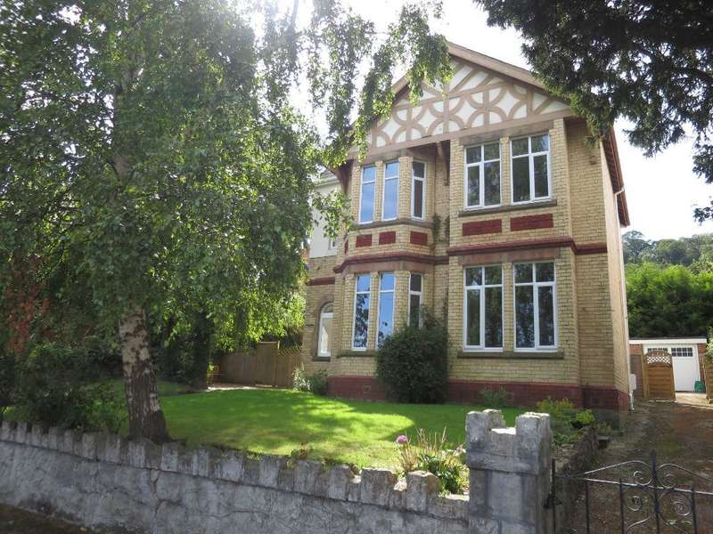 4 Bedrooms Detached House for sale in Hillside Road, Colwyn Bay, LL29 7EP
