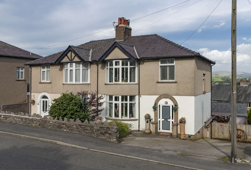 4 Bedrooms Semi Detached House for sale in Windermere Road