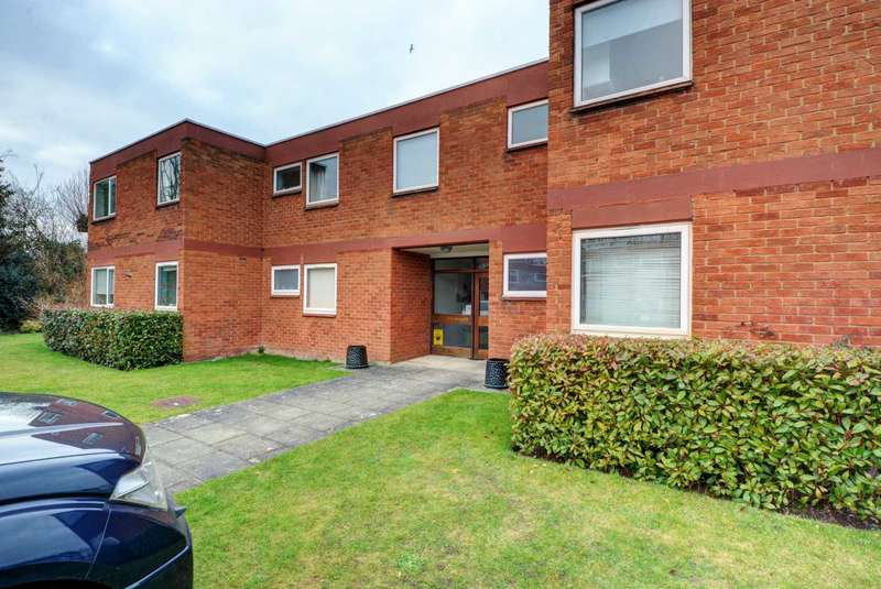 2 Bedrooms Apartment Flat for sale in The Willows, Bourne End