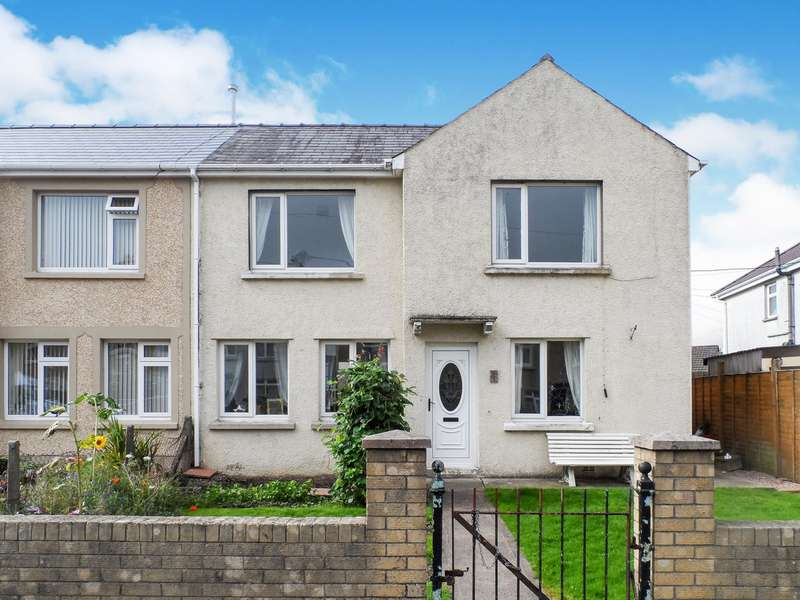 3 Bedrooms Semi Detached House for sale in Greenwood Road, Blackwood, NP12