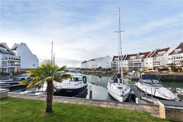 2 Bedrooms Apartment Flat for sale in Moriconium Quay, Lake Avenue, Poole