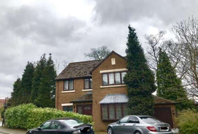 4 Bedrooms Detached House for sale in Church Meadow, Greater Manchester , SK14 4RT
