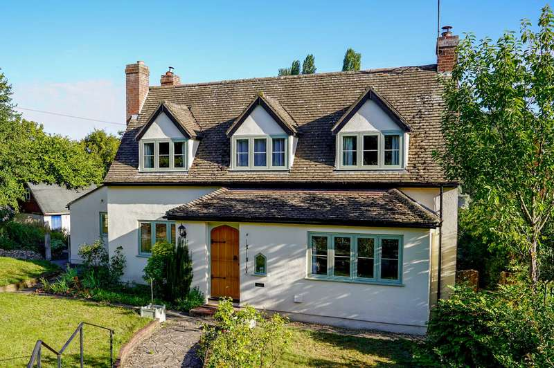 4 Bedrooms Detached House for sale in Church Street, Bawburgh