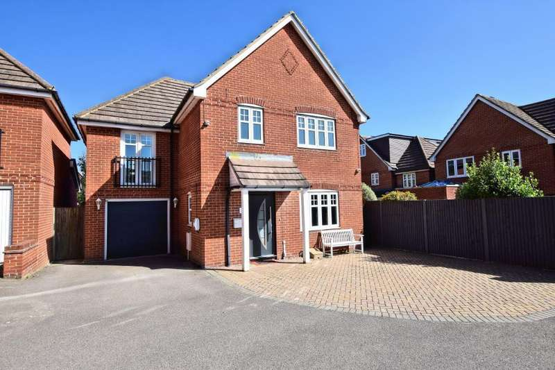 4 Bedrooms Detached House for sale in Teal Grove, Shinfield, Reading, RG2