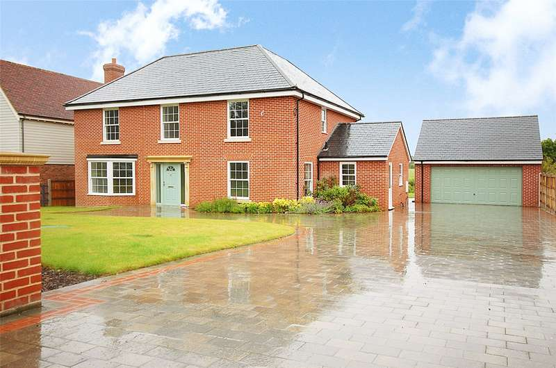 4 Bedrooms Detached House for sale in Mangapp Chase, Burnham-on-Crouch, Essex, CM0