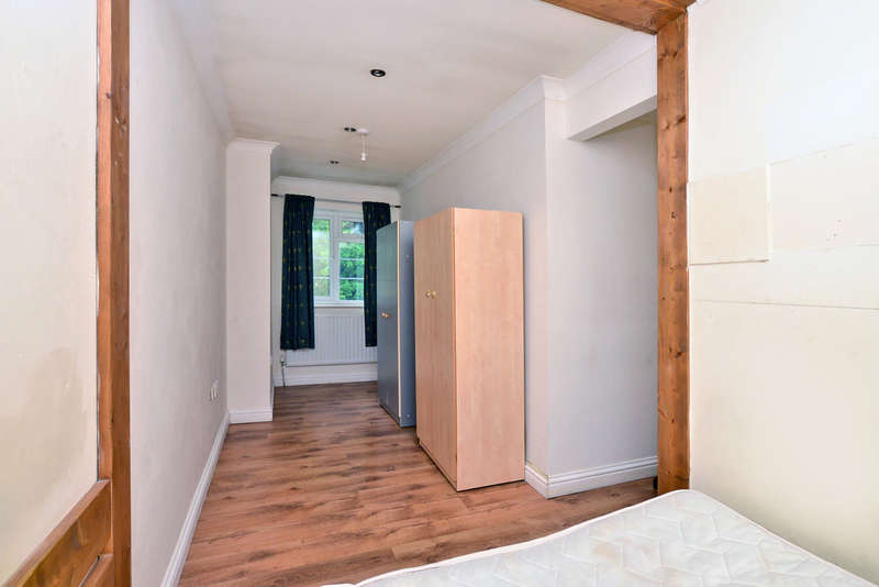 1 Bedroom House for rent in Frimley Road, Camberley
