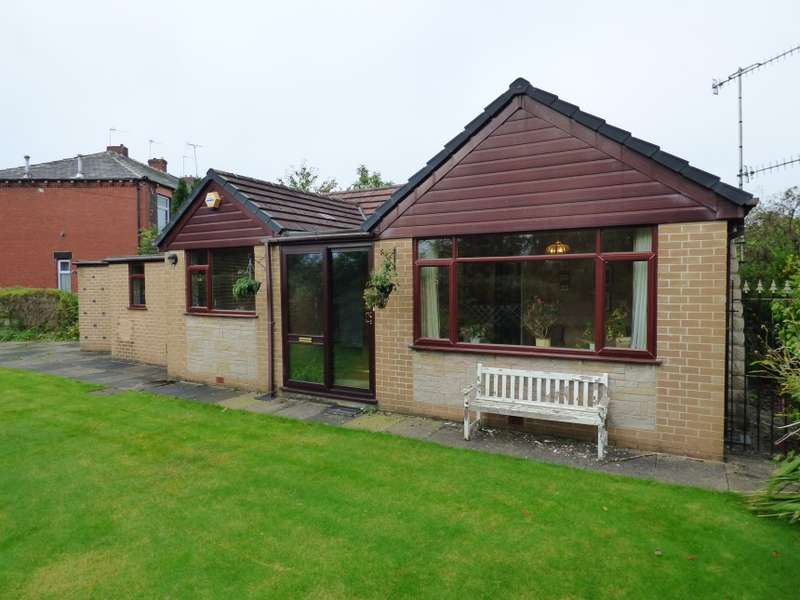 2 Bedrooms Bungalow for sale in 25 Holts Lane, Pitses, Oldham, Lancashire