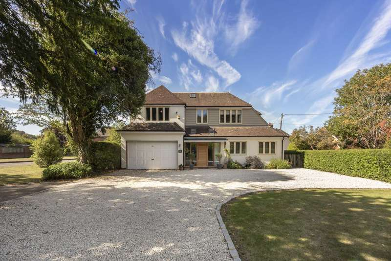 5 Bedrooms Detached House for sale in Cow Lane, Tring