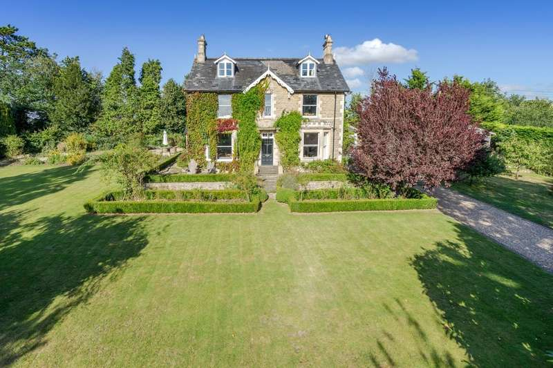 5 Bedrooms Detached House for sale in The Cliff, Malmesbury