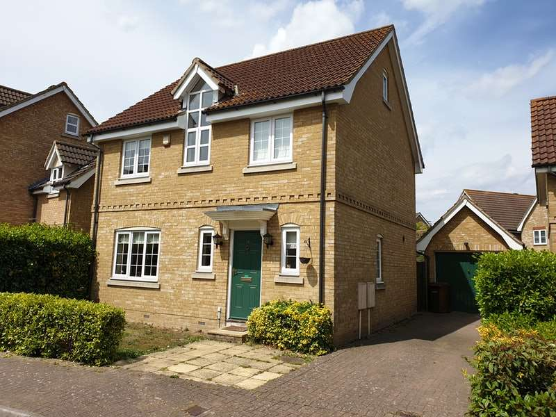 5 Bedrooms Detached House for sale in Redshank Road, St Mary's Island, Chatham, Kent, ME4
