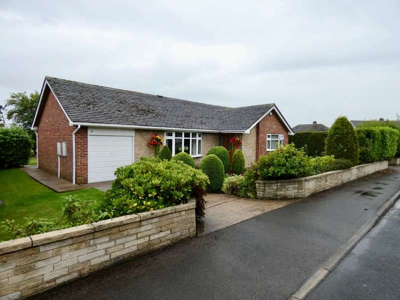 3 Bedrooms Detached House for sale in St. Helier Drive, Barnsley, South Yorkshire, S75